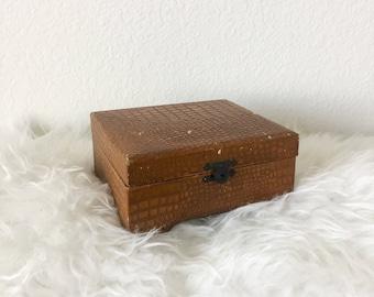 Small Velvet Lined Trinket Box