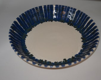 Ceramic Serving Platter/ Baking Dish/ Fruit Dish Center Piece
