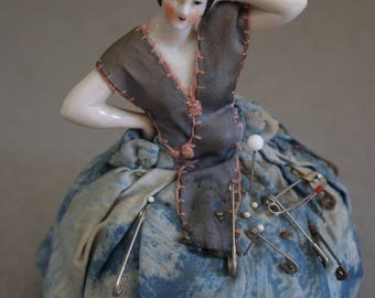 ON HOLD for H. Please do not purchase. Half Doll Pincushion