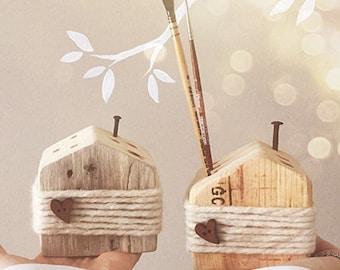 Playhouse wooden pen holder