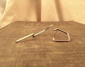 Outline Contrast Post Earrings