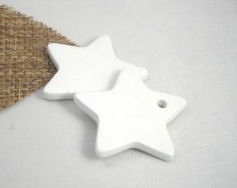 Star in ceramic make-hand : white, 3 cm