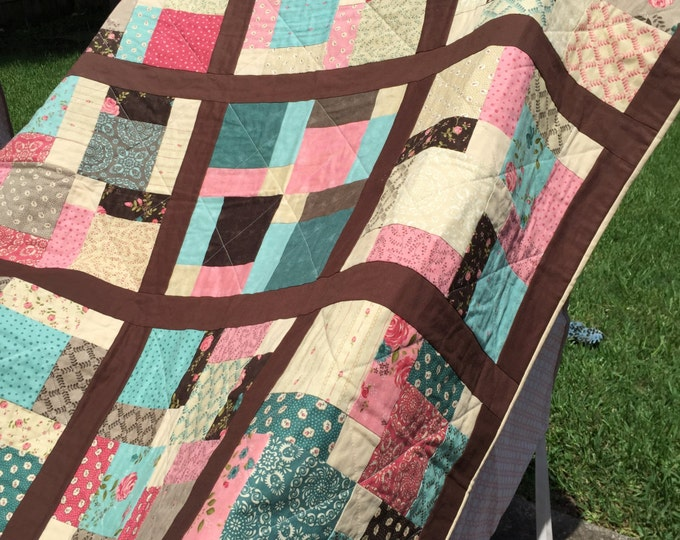 Rambling Rose Quilt (Disappearing 9 Patch)