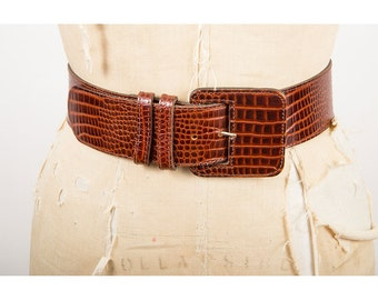 Vintage leather belt / Faux alligator wide leather belt with over sized buckle S M