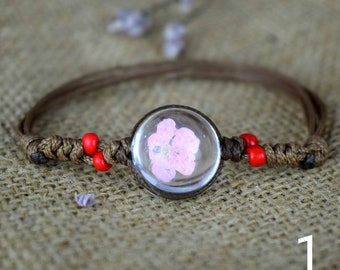 Hawaii Style Real Wild Flowers  Bracelet (Pressed Flowers, Adjustable Leather Cord, Resin, Wood Beads, Multi-colored)