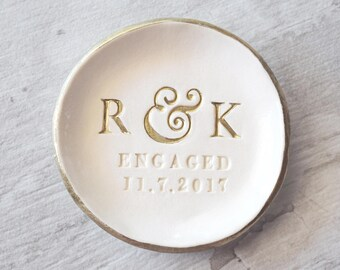 ENGAGEMENT RING DISH Personalized Ring Holder Gold Initials Dish Engagement Gift Tray Engaged Ring Dish Rose Gold Ring Holder Ceramic Plate