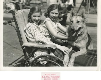 Edith Fellows actress w friend and Buster dog in City Shadows antique photo