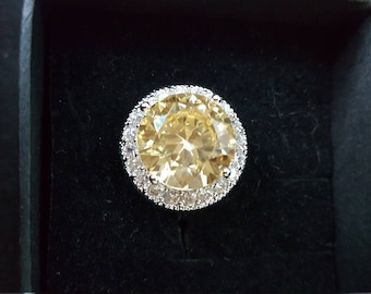 Yellow and White Sapphire Ring