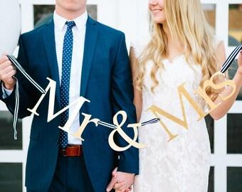 Mr & Mrs Gold Banner, Wedding Garland, Photo Prop, Wedding Photos, Sweet Table Decoration