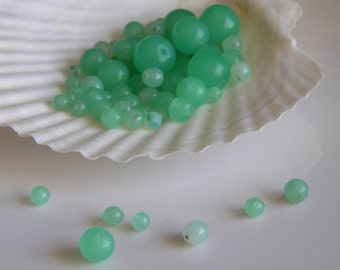 Destash bead lot of green chrysoprase glass round vintage beads - jewelry supply