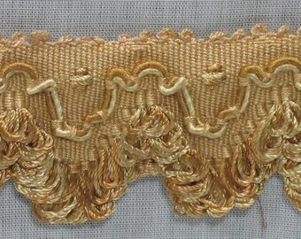 Trimmings: shades of caramel and beige fringed braid, Cup 4.80 meters