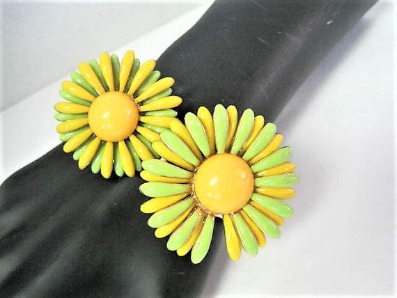 Yellow Green Daisy Clamper, Flower Hinged Bangle,  Enamel Yellow Center Bracelet