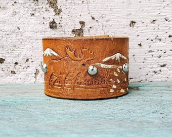 Boho White / Brown  Mountains Snow Leather Cuff Bracelet Tooled Leather Strap Bracelet Western Jewelry Southwest Bohemian Wrap Bracelet