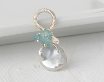 Keishi pearl pendant with turquoise apatite, 925 silver, sterling silver, loop wrapped, white freshwater pearl
