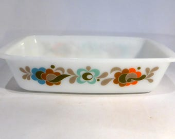 """JAJ Pyrex spacesaver oblong casserole /lasagne dish in """"Carnaby Tempo"""" design – original from the 1970s"""