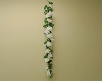 Roses Garland Artificial Silk Flowers 5 ft. Vine 8284