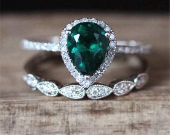 Gold Emerald Engagement Ring Set VS 6*8mm Pear Cut Emerald Ring Set Art Deco Half Eternity Wedding Ring Set 14K White Gold Anniversary Set