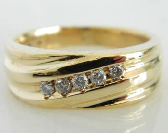 Vintage 14K Gold Diamond Ring size 10