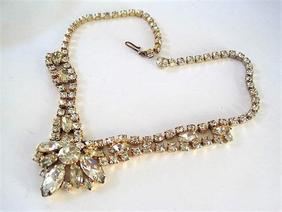 Clear Glass Necklace, Flower Pendant, Vintage Choker,  Elegant Wedding, Unsigned Rhinestone Navettes