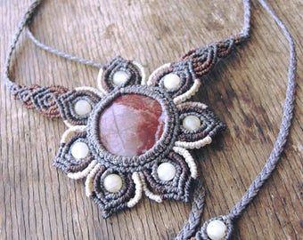 IKEBANA - Macrame Flower necklace, Jasper and Pearl by TohyaArtisanat