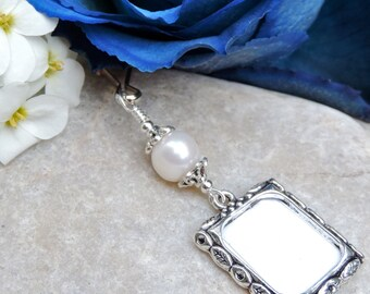 Wedding bouquet photo charm with freshwater pearl. Bridal bouquet charm -pearl. Small picture frame charm. Bridal shower gift for a bride.
