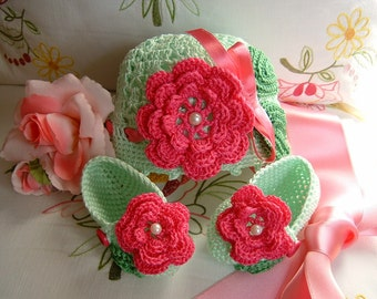 Hat and shoes handmade crocheted in light green cotton with fuchsia flowers applied. Crochet Baby Summer Fashion