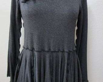 dark gray color long sleeve top with separate belt plus made in USA. (vn107)