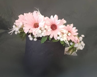 Crown flower, Anais, very fresh and rustic roses