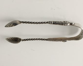 Silver Apostle Sugar Tongs with shell shaped bowls from 1907 - Birmingham by W.D William Devenport