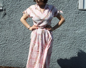 Vintage 1950's Pink Floral Dress // 50s Ann Taylor Cotton Summer Sun Dress with Belt and Tie Sleeves // Rockabilly Pin Up