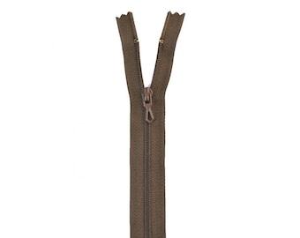 Nylon zipper. H 10 cm. collar 990 Walnut stain