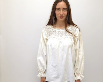 Ana Blouse // vintage tunic boho hippie 70s 1970s long sleeve ethnic Mexican lace dress hippy floral cotton white // S/M