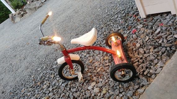 Tricycle lamp
