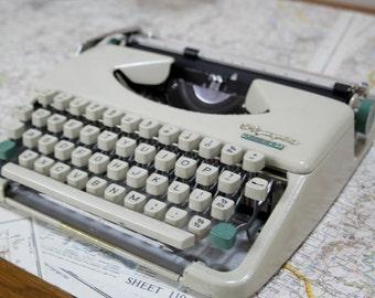 Olympia Spendid 33 Vintage Typewriter