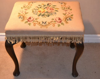 Tapestry Antique piano stool in good condition