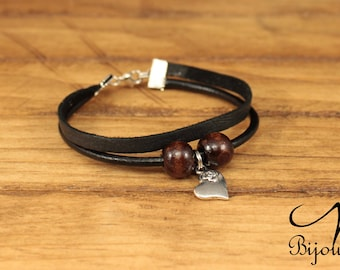 Leather bracelet with a heart