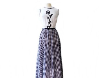 Vintage 70s gingham maxi dress/ navy blue white/ flower appliqué bodice/ Toni Todd long checkered dress