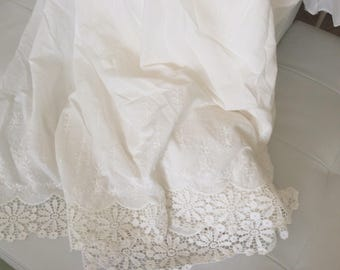 Fabrics for skirt in cotton with lace width 140