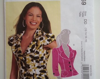 Fitted top / button down blouse / low cut / peplum / womens jackets / pockets jacket 2009 sewing pattern, Size 12, Bust 34, McCalls M 5859