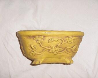 Vintage Plaster Decorative Claw Foot Bathtub Hippie Style Dish Soap Holder