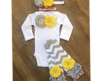 Newborn Girl Take Home Outfit, Newborn Legwarmer Outfit, Coming Home Outfit, Baby Girl Clothes Newborn Photo Outfit, Chevron Baby Outfit