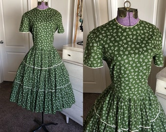 Vintage 1950's Green Heart and Floral Print Square Dancing Dress M/L