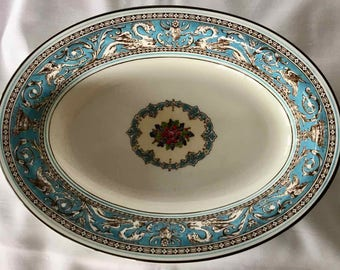 "Vintage Wedgwood ""Florentine W2714"" Bone China Vegetable Bowl - Made in England - 1962 to 1997"