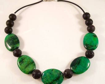 Large gemstone necklace made of Chrysokollscheiben and lava beads