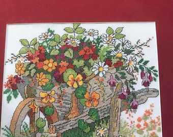 SUMMERSALE Cross Stitch Flowers pattern book, cards, gifts , pictures