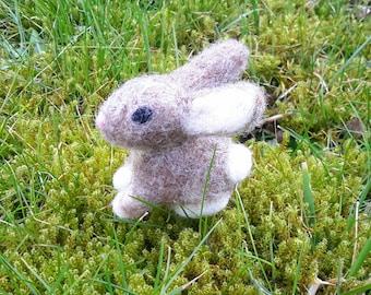 needle felted Easter bunny, needle felted rabbit, rabbit, needle felted animal, Easter decoration