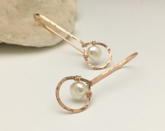 Rose Gold Filled Hammered Teardrop & White Pearl Threader Earrings. (E430RG-WP) wire jewelry by cristysjewelry on etsy