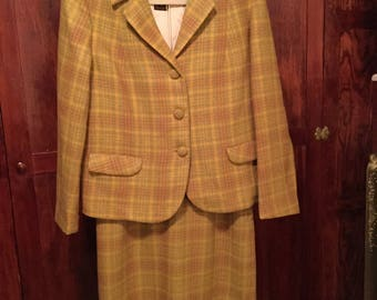 SPRING SALE! Classic vintage 1950s gold, green and rust plaid women's jacket and skirt/suit (A281)