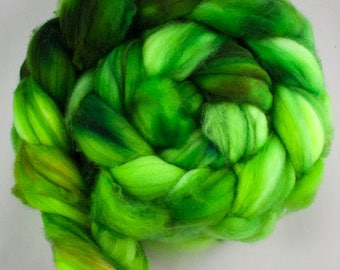 Ribbit - Superwash Merino Wool Roving 4oz