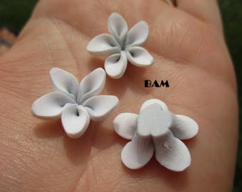 Small white flower and gray 18 beads
